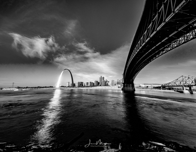 Photo Into the City