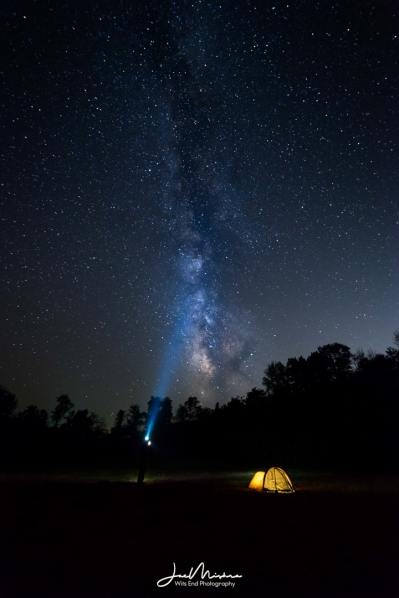 Photo Camping under the Milkyway