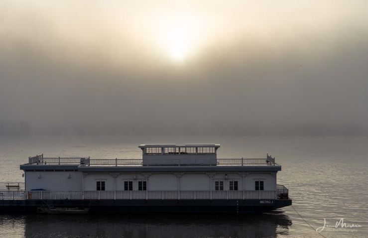 Photo Foggy Riverboat