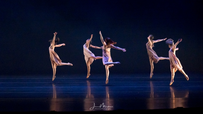 Photo Dancers at Work