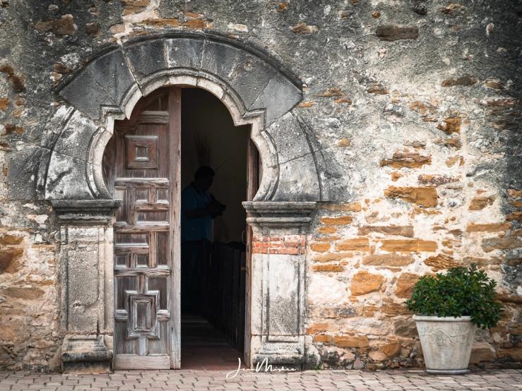 Photo Door Mission Espada