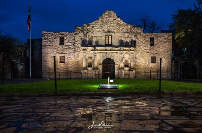Photo Alamo by Night