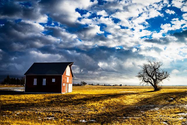Photo Barn Between Storms