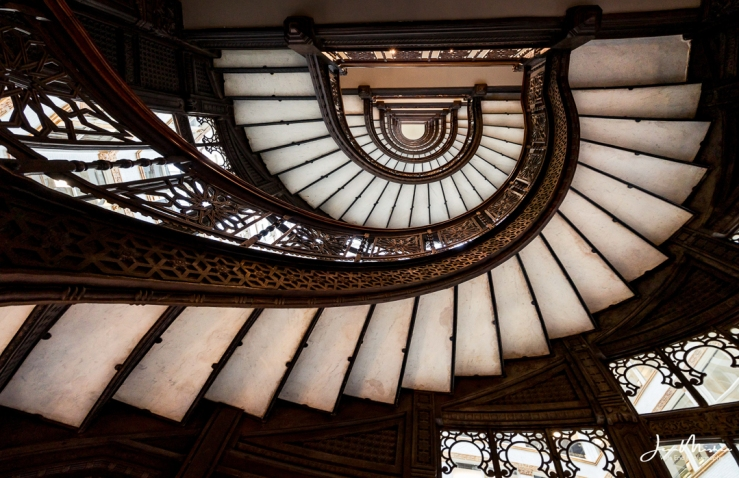 Photo Rookery stairs in Chicago.