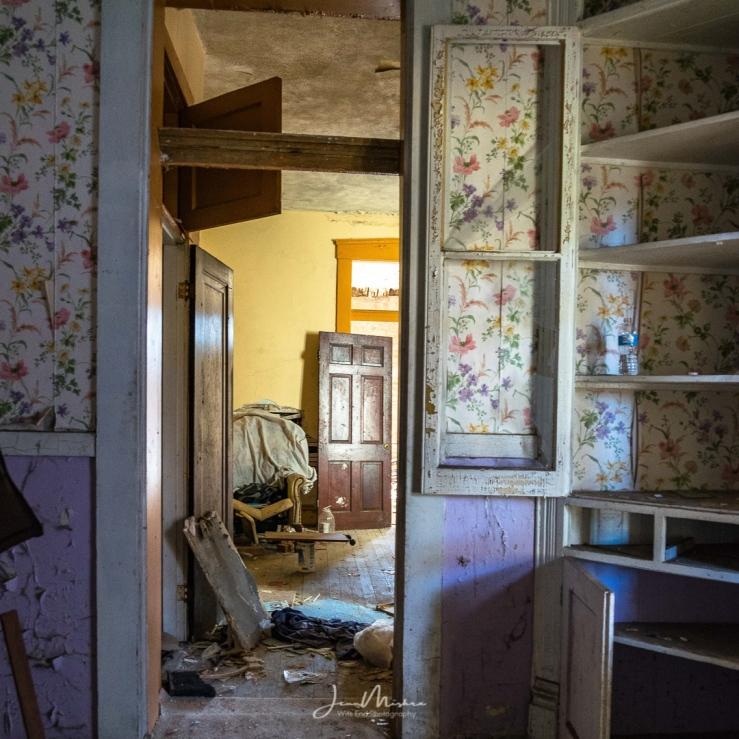 Photo Abandoned Home