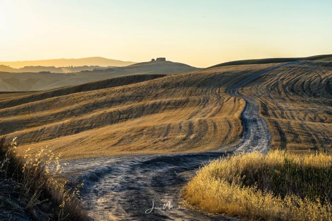 Photo Tuscan Village Road
