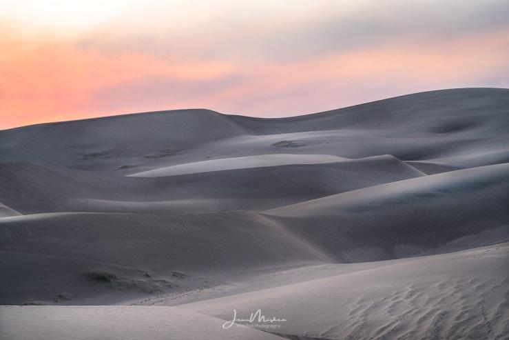 Photo Sand Dunes under Fire