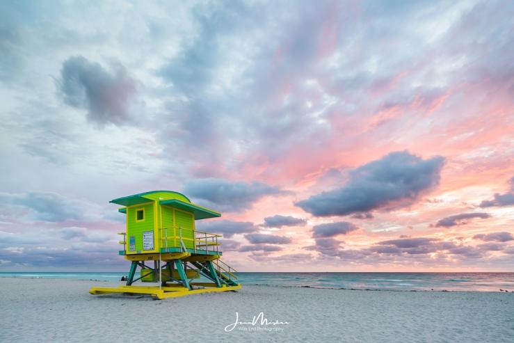 Photo Green at Sunrise