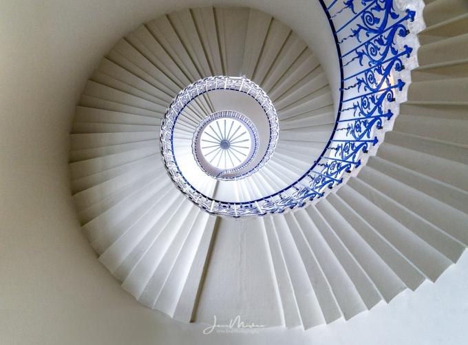 Photo Tulip Staircase