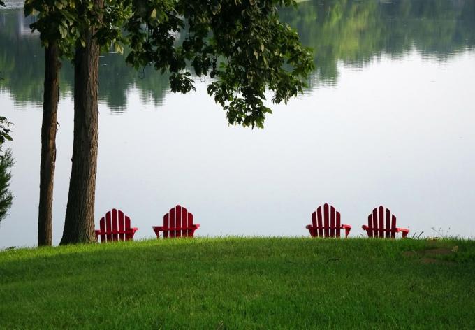Photo Empty Chairs