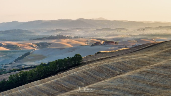 Photo Tuscan Fields in Fog